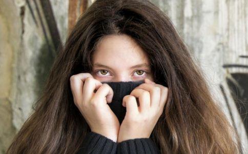 黑眼圈是怎么形成的 如何去除黑眼圈 怎么去除黑眼圈