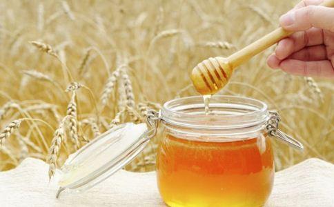 男性吃蜂蜜有什么好处 男性为什么要吃蜂蜜 男性吃蜂蜜的好处是什么