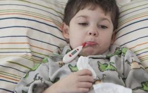 宝宝发烧先别慌 试试这5种退烧方法