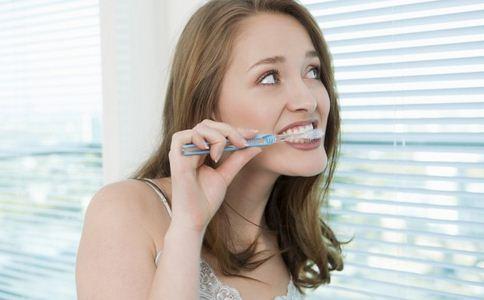 牙齿上有牙渍怎么办 怎么去除牙渍 去除牙渍的方法