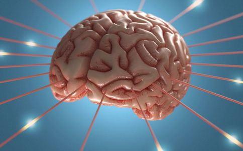 84岁老人脑内有空洞 导致颅内积气的六大因素