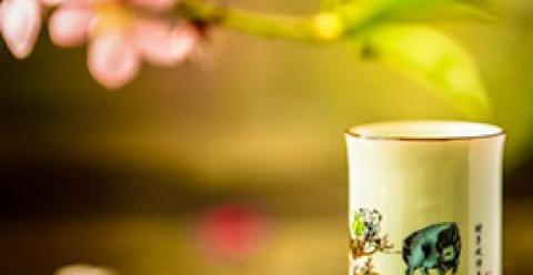 女人喝什么茶对妇科病好 哪些花茶适合女性日常饮用 女性喝红枣红糖姜茶有什么好处