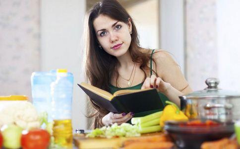 福建48人食物中毒 导致食物中毒的原因 食物中毒怎么办
