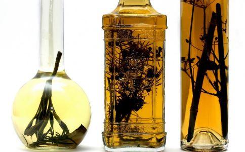 春季喝什么药酒好 泡药酒注意什么 春季喝哪些药酒能养生