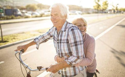 老人春天做什么运动好 老人春天做哪些运动好 老人春季运动的注意事项