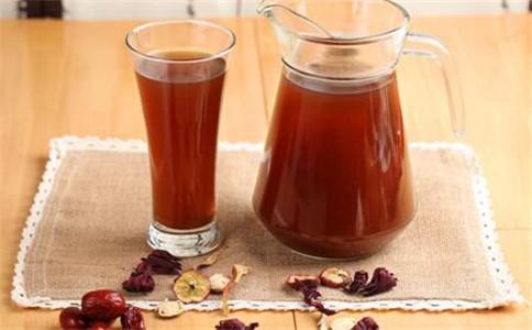 酸梅汤什么人不能喝 喝酸梅汤注意事项 酸梅汤的功效