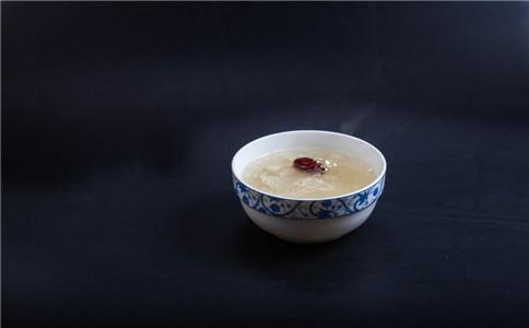 红枣银耳汤的妙用 健脾生津安神