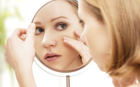 毛孔变粗皱纹变多 女人该怎么防衰老