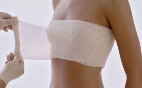 自体脂肪隆胸抽哪个部位效果好?