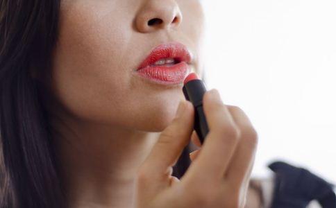 如何保养唇部 远离六大护理误区