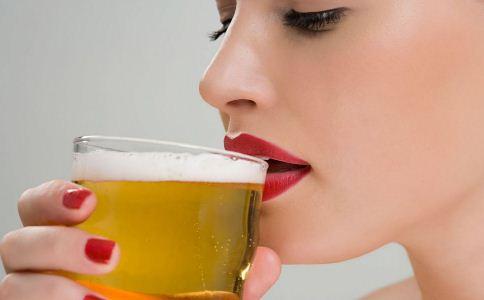 为何总是感觉口干舌燥 注意4个原因