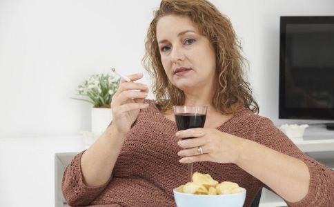 女人该怎么预防不孕 女人不孕该怎么预防 睡姿不当会导致不孕吗