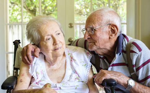 人到老年 该怎么预防老年痴呆