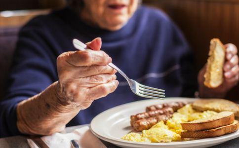 老人如何通过饮食养生 老人日常如何养生 老人日常饮食养生要注意什么