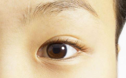 割双眼皮后这样做 可以避免后遗症