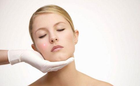 垫下巴有哪些材料 垫下巴后如何护理 垫下巴后怎么做