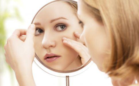 女人长斑的原因有哪些 女人该怎么祛斑 祛斑方法有哪些