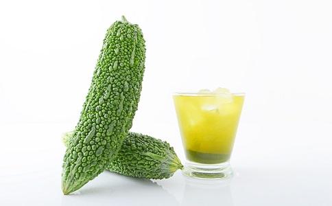 喝苦瓜汁一周能瘦几斤 喝苦瓜汁能减肥吗 苦瓜汁减肥的方法有哪些