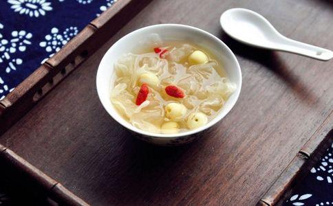 银耳莲子汤孕妇能吃吗 银耳莲子汤 孕妇 孕妇能吃银耳莲子汤吗