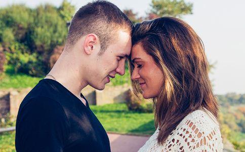 男女之间该怎么交往 恋爱技巧有哪些 怎么跟喜欢的人相处