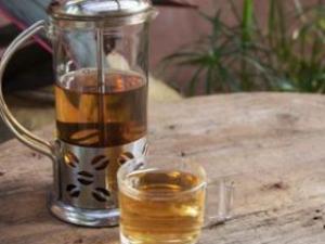 喝茶可以解酒吗 酒后吃什么能解酒