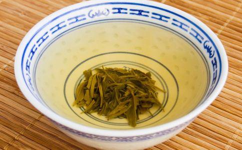 喝茶可以解酒吗 喝茶能不能解酒 喝茶能解酒吗