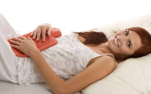 女性月经颜色淡怎么回事 引起月经颜色淡的原因是什么 月经颜色淡如何调理