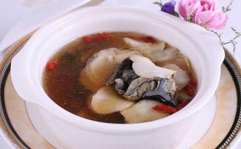 女人滋补养颜汤有哪些 哪些汤可以滋补养颜 女人养颜汤有哪些