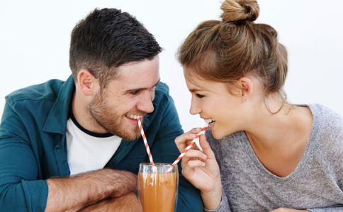 男人都喜欢什么样的女人 哪些女人更容易让男人动心 男人喜欢什么样的女人