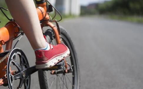 骑自行车可以瘦腿吗 骑自行车可以减肥吗 骑自行车的减肥效果好吗