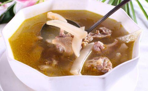 女人春季喝什么汤可以健脾 女人春季适合喝哪些汤 哪些养生汤可以润肤