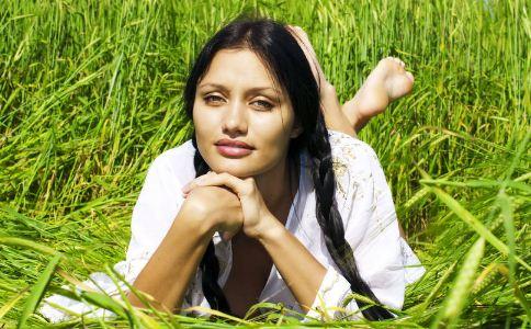 女人踏青要注意什么 女人春季怎么防止过敏 女人春季怎么预防疾病