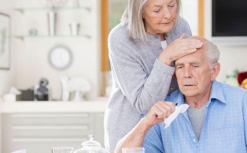 慢性乙肝患者饮食要注意什么 乙肝小三阳的症状有哪些 乙肝小三阳要如何治疗