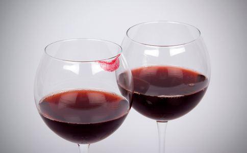 查封5万瓶假葡萄酒 如何辨别葡萄酒 葡萄酒的辨别方法