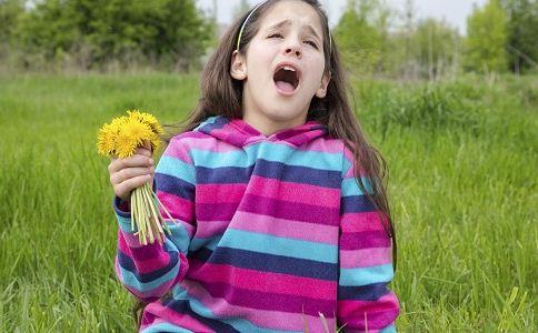 花粉过敏诱发老太心脏病 如何预防花粉过敏 花粉过敏的预防方法