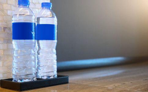 喝瓶装水可致癌 瓶装水致癌 哪些水不能喝