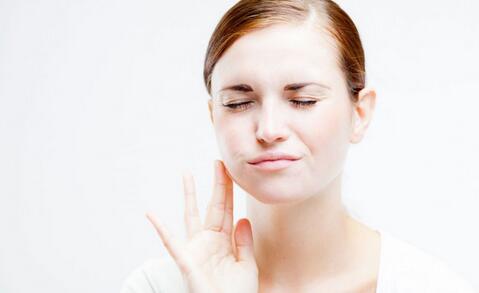 牙龈出血的原因有哪些 牙龈出血如何预防 预防牙龈出血的反复