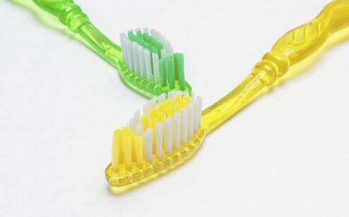 如何美白牙齿 美白牙齿的方法 怎么美白牙齿
