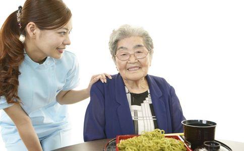 老人春季吃什么好 春季吃什么食物养生 春季老人饮食原则