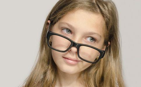 纳米眼药水可治近视 导致竟是的原因有哪些 什么原因导致近视