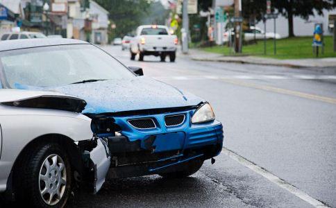 车祸后如何自救 车祸后怎么进行急救 车祸后怎么自救