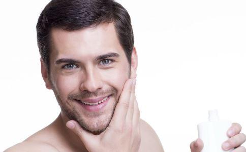 如何刮胡子 刮胡子要注意什么 怎么刮胡子好
