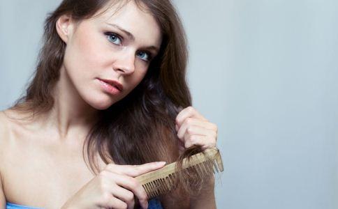 常见梳头误区 让头发掉得越多