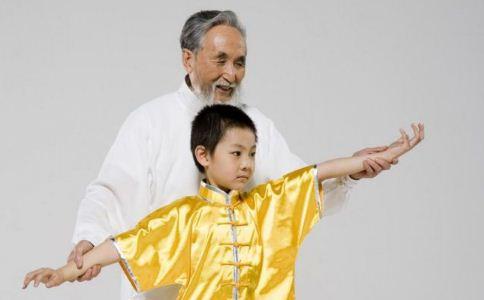 老年人如何练太极拳 老人练太极拳的好处 老人练太极拳的注意事项