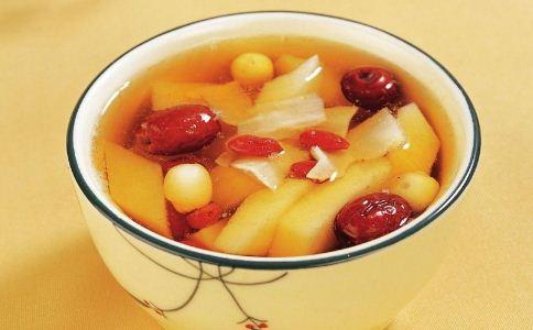 秋季滋补养颜汤_女人温补养颜汤有哪些 常吃这些补水抗衰老