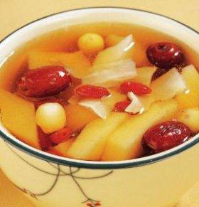 女人温补养颜汤有哪些 补水养颜食疗有哪些 女人吃什么可以补水抗衰老