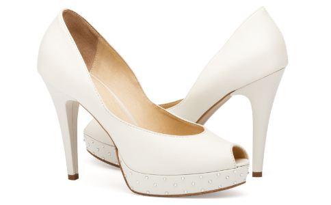 穿高跟鞋要注意什么 穿高跟鞋的技巧有哪些 穿高跟鞋有哪些事情要注意