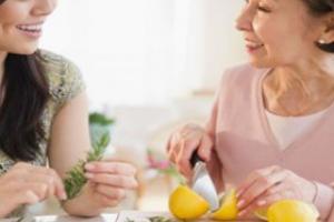老人吃坚果好吗 常吃这四种营养足