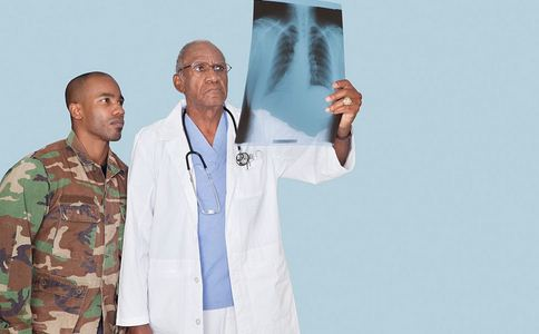 体检后确诊肺癌中晚期 肺癌的早期症状有哪些 导致肺癌的原因