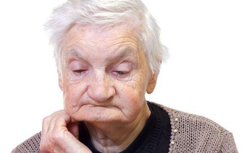 老人感到孤单应该怎么办 老人感觉孤单如何缓解 老人孤单的危害